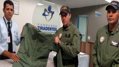 Photo of Fundação Tiradentes entrega macacões de vôo ao Graer