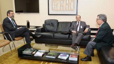 Photo of Diretor Presidente da Fundação Tiradentes Ten. Cel. Cléber Santos visita Dr. Aylton Flávio Vechi – MPGO